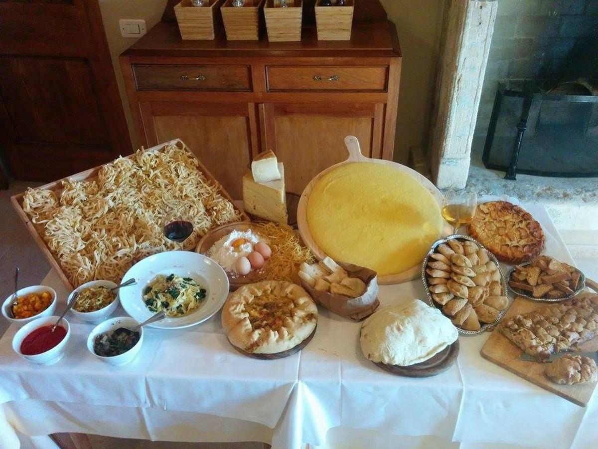 Dolci pane e polenta fatti in casa,Borgovalfredda agriturismo verona, ristorante biologico